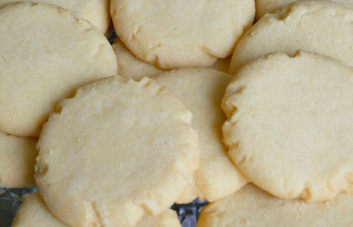 Almond Cookies – A Family Favorite Recipe