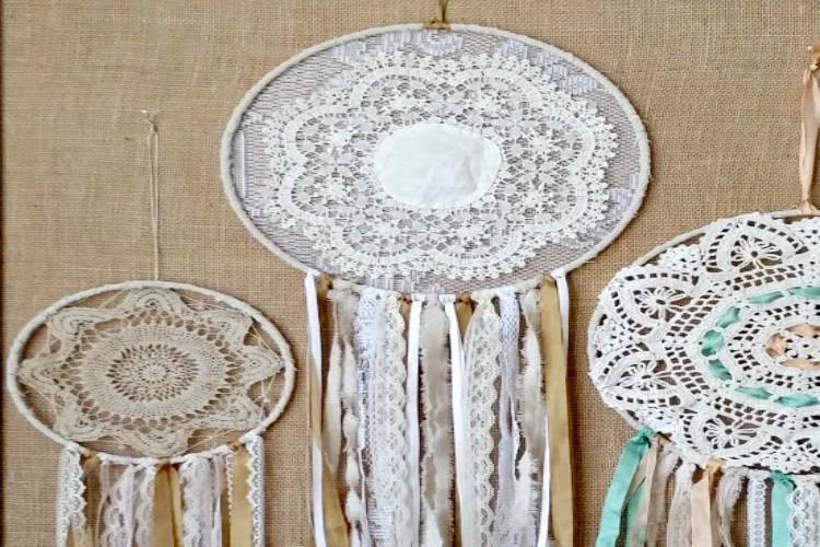 vintage-Doily-Bohemian-Dream-Catchers-slider
