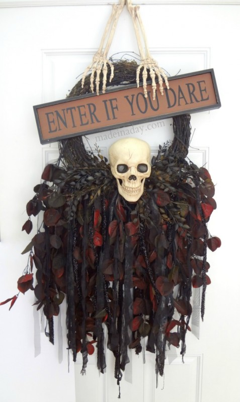Skull-Wreath-spookyspaces-477x800