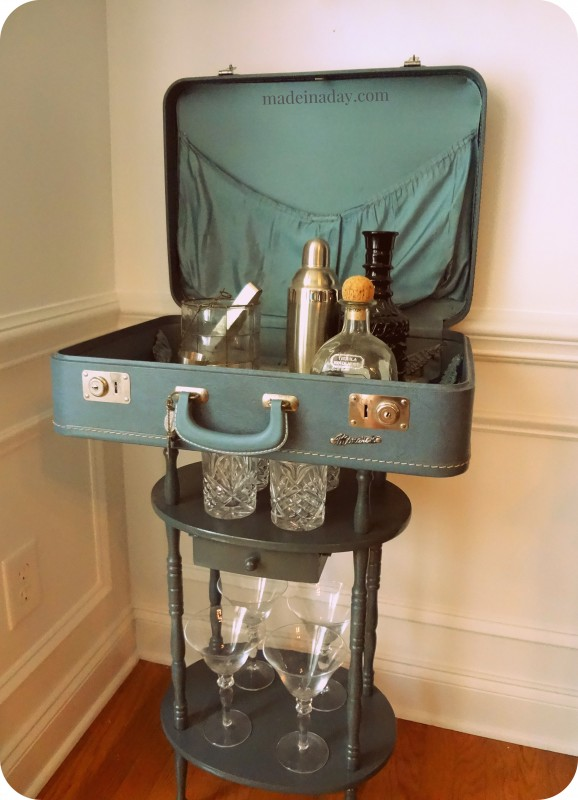 Suitcase-Table-Bar-Craft-madeinaday.com--578x800