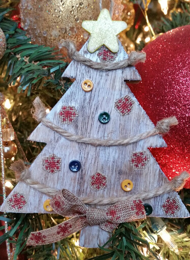 Hang DIY Rustic Christmas Ornament on tree