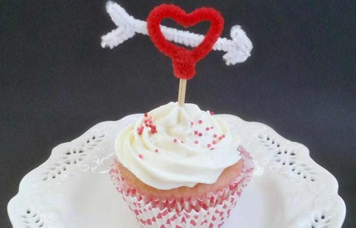 DIY Valentine Heart Cupcake Topper
