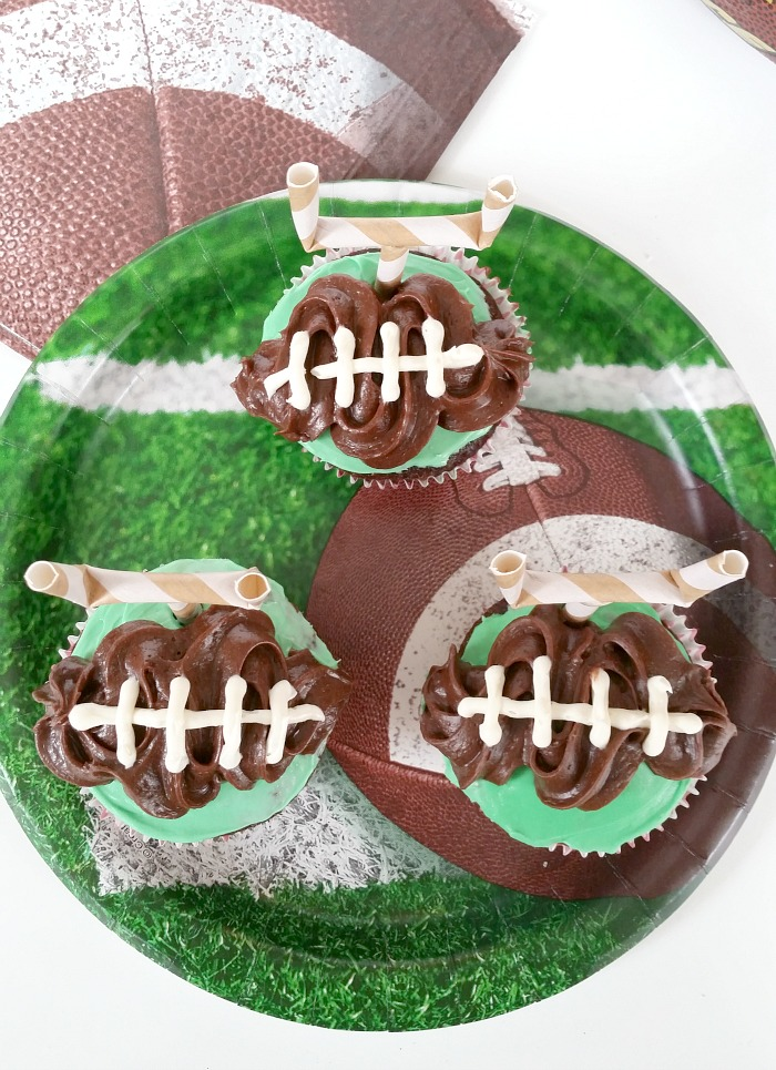 Simple football cupcakes goal topper