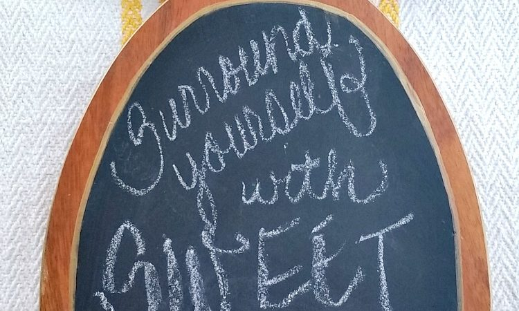 Wood Pineapple Chalkboard- Thrift Store Decor Upcycle Challenge