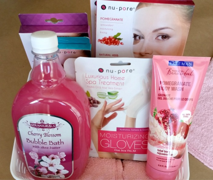Mother's Day Spa & Beauty Gift Basket items