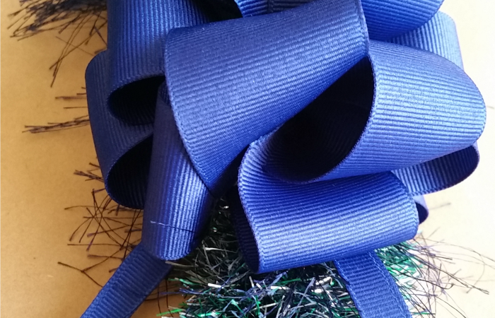 The Easiest Straw Eyelash Yarn Lei – Graduation Keepsake Gift