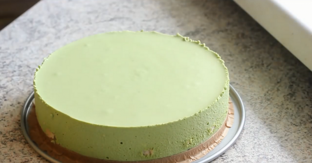 remove matcha cheesecake from mold