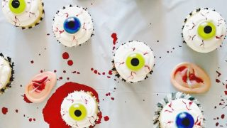 Halloween Dessert - Easy DIY Bloodshot Eyeball Cupcakes