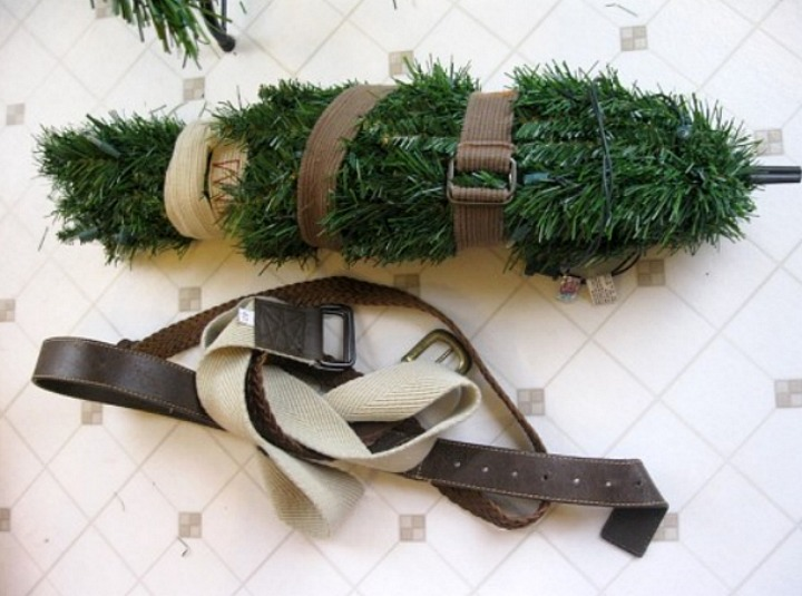 Christmas tree storage with a belt