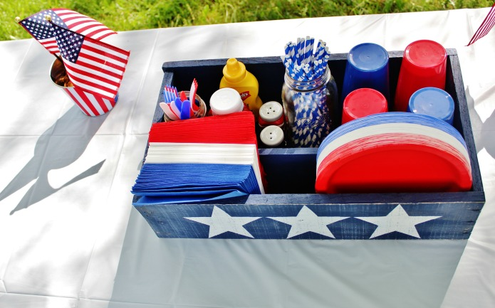 DIY Patriotic Wood Party Crate