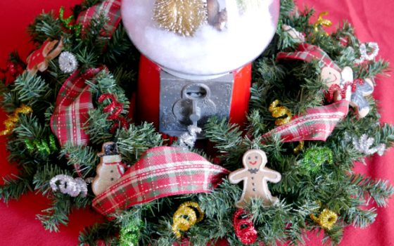 Gingerbread Table Wreath Centerpiece – Day 9 12 Days of Christmas Blog Hop