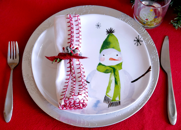 casual everyday Christmas tablescape plate