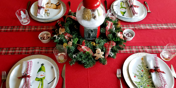 casual everyday Christmas tablescape