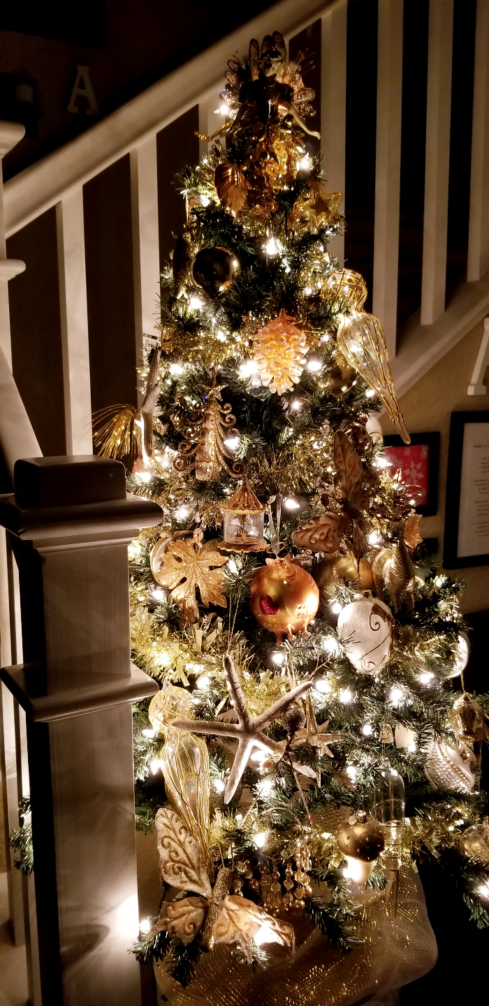 Gold Entry Christmas Tree