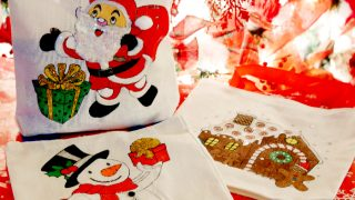 Mini Christmas Tote Gift Bags - December Craft Room Destash Challenge