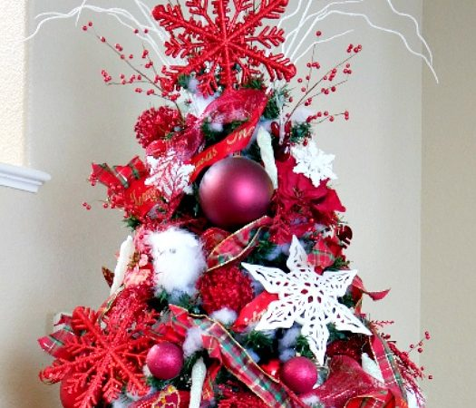 red and white snowflake Christmas Tree