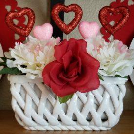Valentine's Day Glitter Hearts Floral Arrangement – 5-minute Craft