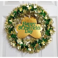 Dollar Tree St. Patrick's Day Garland Wreath - Pinterest Challenge