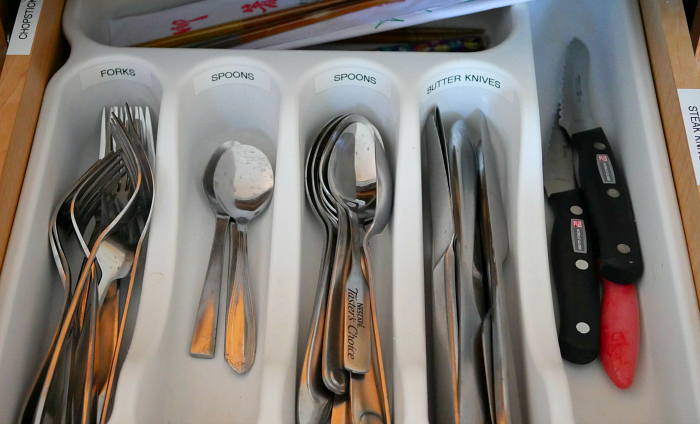 Kitchen fork and spoon drawer
