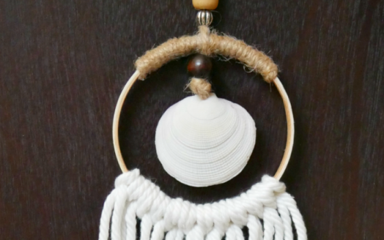 Mini Hoop Sea Shell Wall Hanging – April Pinterest Challenge