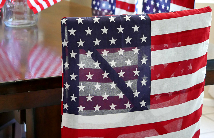 Patriotic Flag Dining Chair Covers – Under 30 Minute Dollar Store Craft
