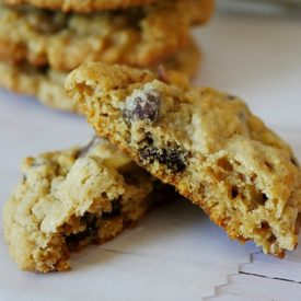 Broken Copycat Mrs. Field's Chocolate Chip Cookies