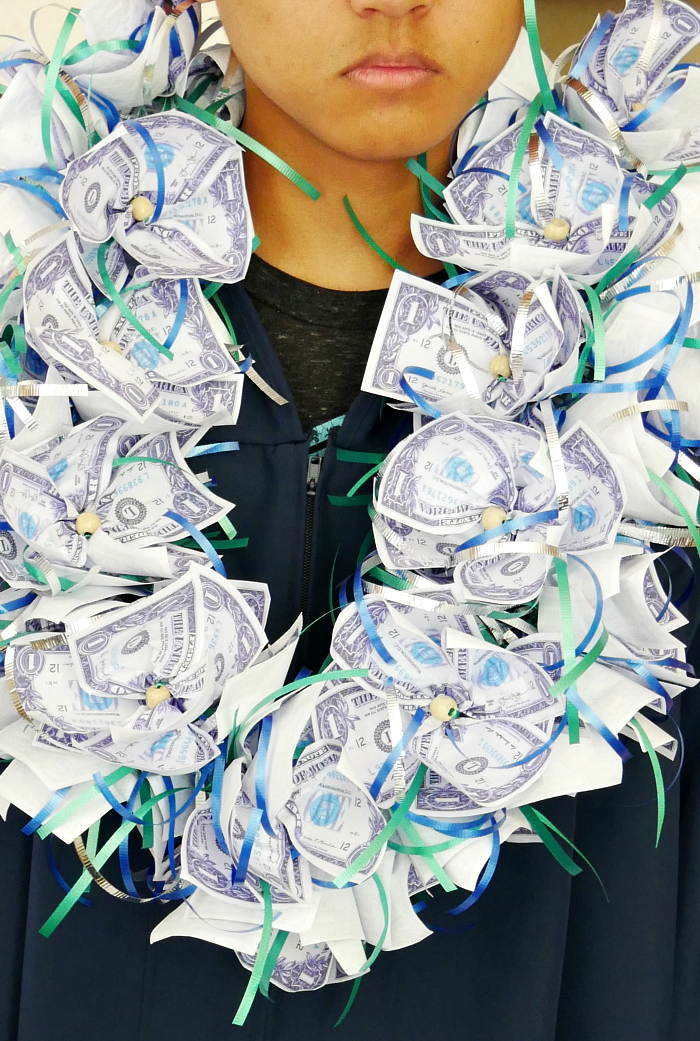 Fluffy money lei completed