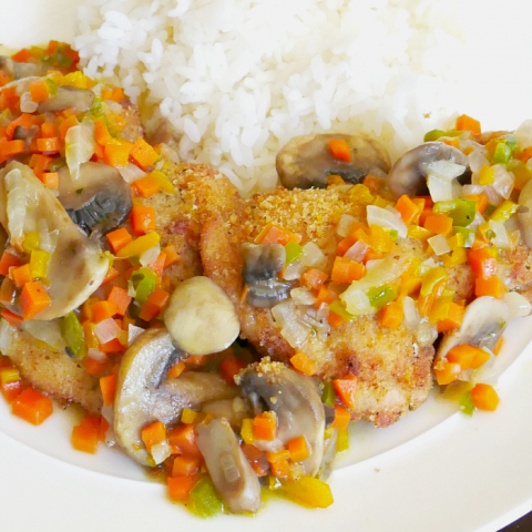 Baked chicken with vegetable sauce