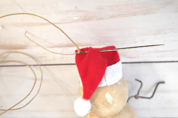 Hanging loop for sand snowman ornament