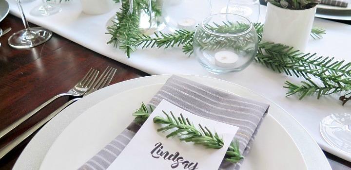 Easy to Make Contemporary Christmas Tablescape