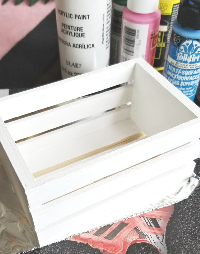 paint wood crate white