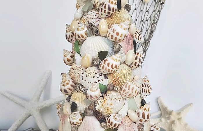 Seashell Christmas Tree Craft – Christmas in July
