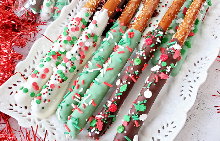 How to Make Dipped Pretzel Rods -Dark Chocolate, White Chocolate, & Mint