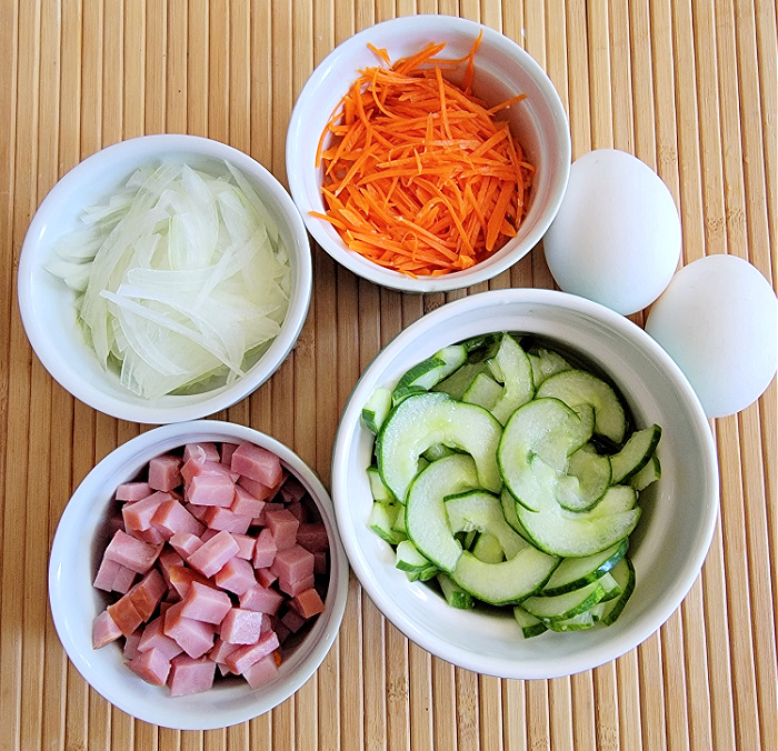 Diced ham and prepped vegetables